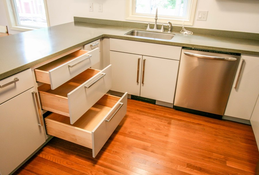 b2_kitchen drawers.jpg